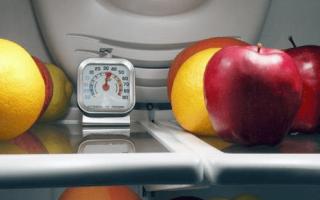 Как правильно регулировать температуру в холодильнике?